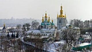 Прямая трансляция Рождественского богослужения в Свято-Успенской Киево-Печерской лавре