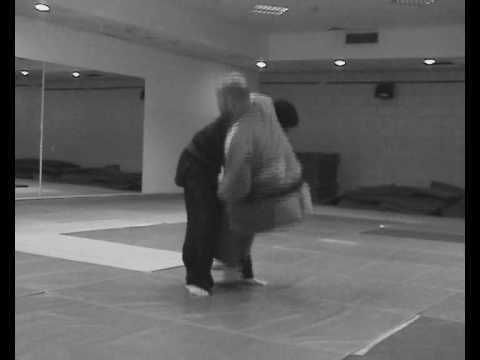 Tawara gaeshi - Judo sacrifice throw from the Akban-wiki