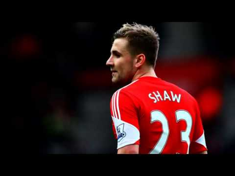 Luke Shaw signs for Manchester Utd