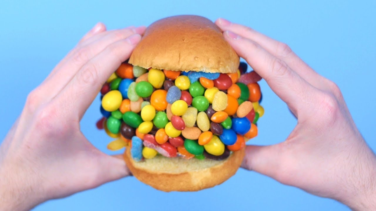 GIANT CANDY SANDWICH! - YouTube