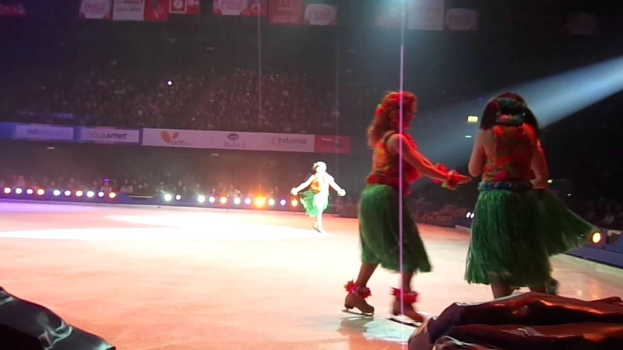 Disney on ice Argentina 2014 Lilo y Stitch - YouTube