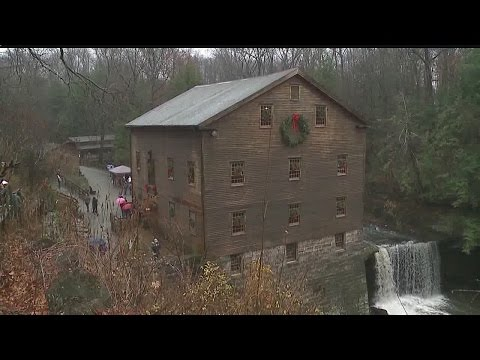 Lanterman's Mill hosts Olde Fashioned Christmas