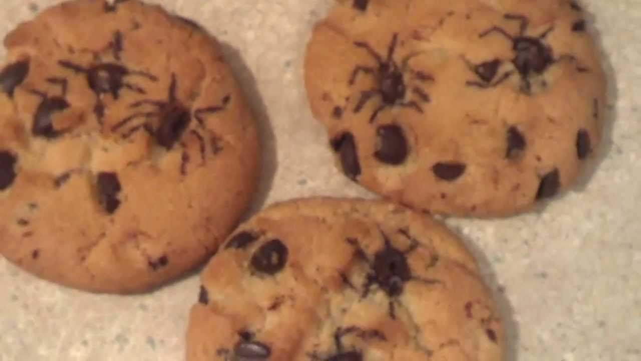 spider chip cookies for halloween - youtube
