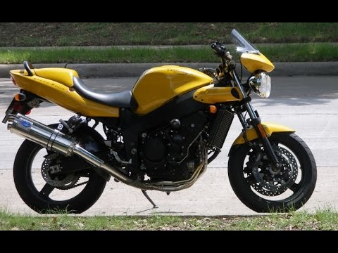 triumph speed four exhaust sound and fly by compilation youtube. Black Bedroom Furniture Sets. Home Design Ideas