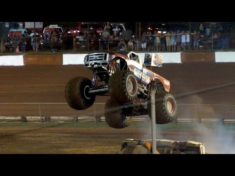 Monster Trucks-Dixie Speedway //Sony a6500