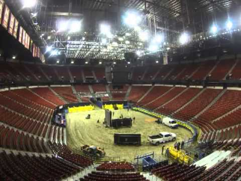 Transformation of the Thomas & Mack into a rodeo arena