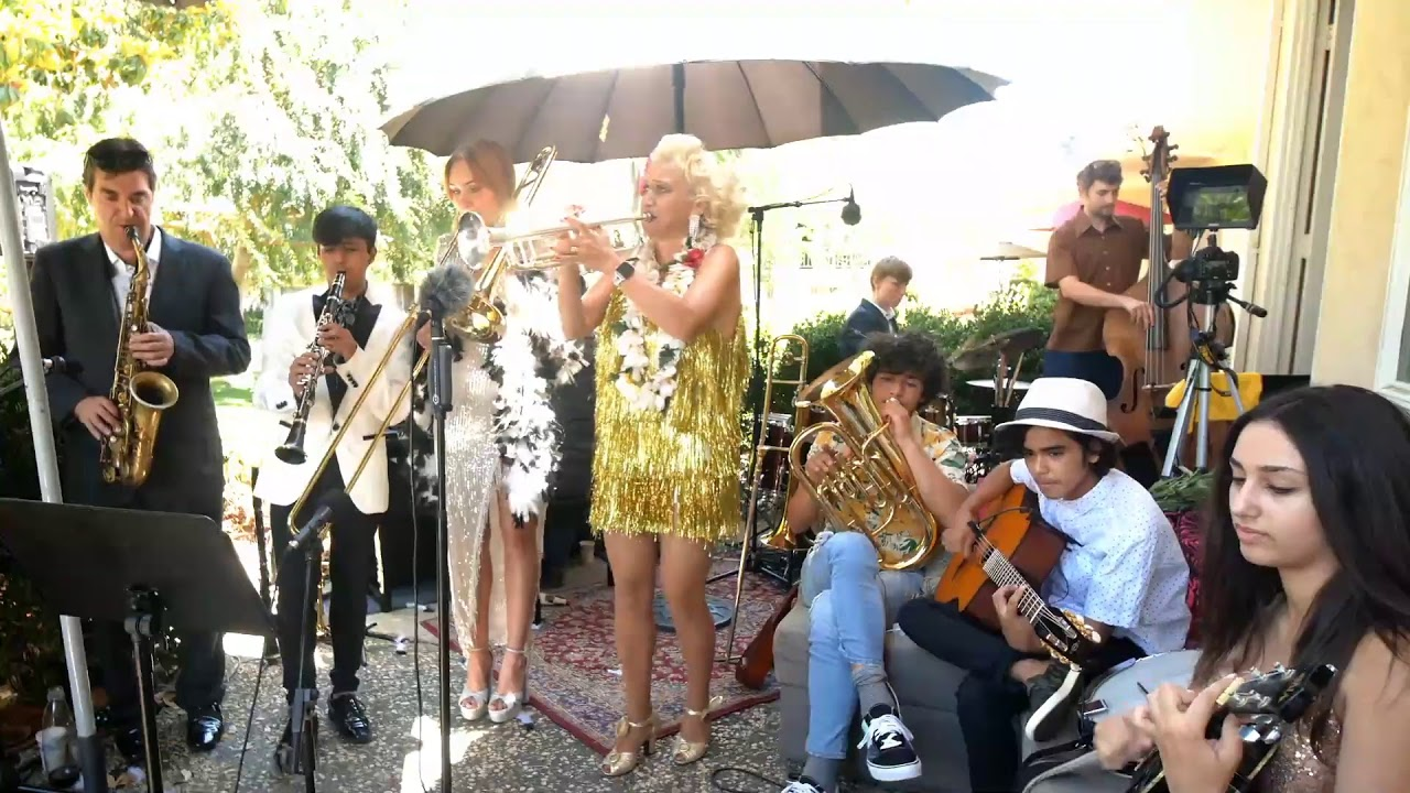 Download Gunhild Carling - Live In the Garden!
