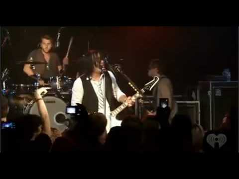 Three Days Grace - Riot (Live At IHeartRadio)