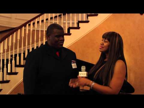 "Giving in STYLE: Dress for Success Hosts ""Football Finale"""