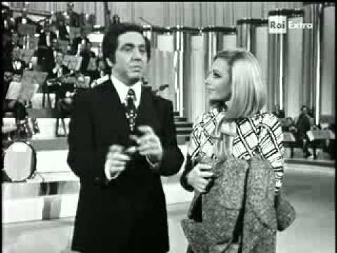Raffaella Carrà e Corrado - Sketch Canzonissima 1971 - YouTube