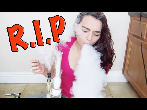 GIRL ATTEMPTS HALF GRAM DAB!!