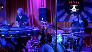 The Z3 @ B.R.Y.A.C. / Mystery Roach - Joe