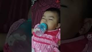 Video Anak kecil ngedot gak mau di lepas haaaa sampe sampe tidurnya nglipus.😇😇😇😇 download MP3, 3GP, MP4, WEBM, AVI, FLV September 2019