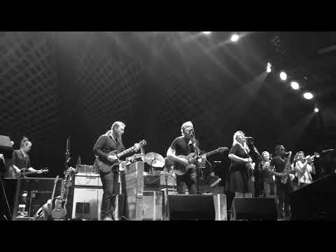Tedeschi Trucks Band feat Trey Anastasio- Delta Lady (Beacon Theatre- Sat 10 14 17)