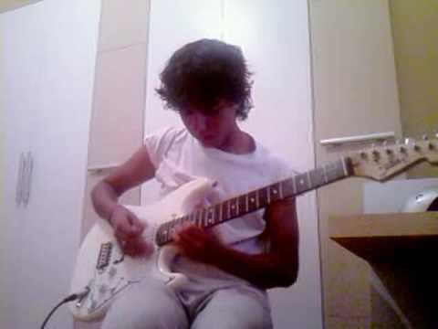 Vavz playing guitar