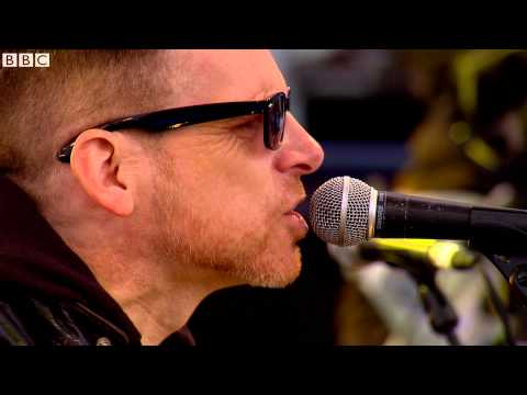 Black Star Riders - Bound For Glory (live on the Ken Bruce show)
