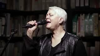 Cindy Wilson live at Paste Studio NYC