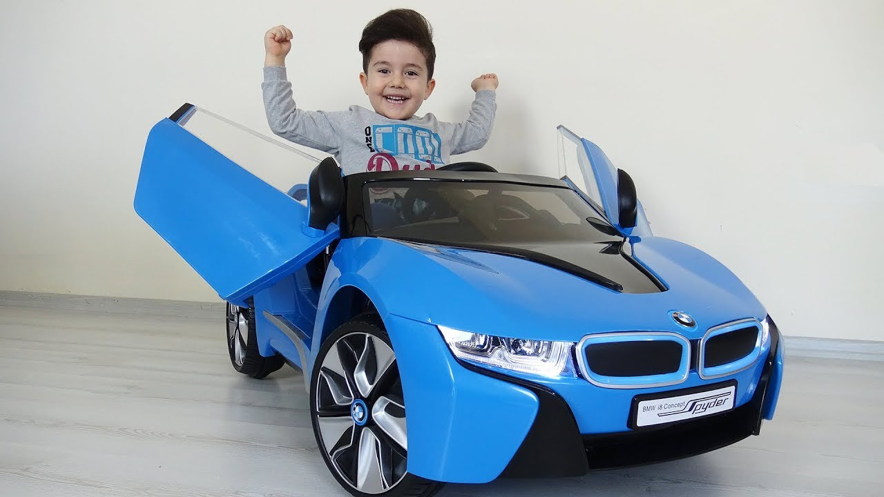 Yusuf'a yeni BMW i8 akülü araba! Kids pretend play with battery powered car