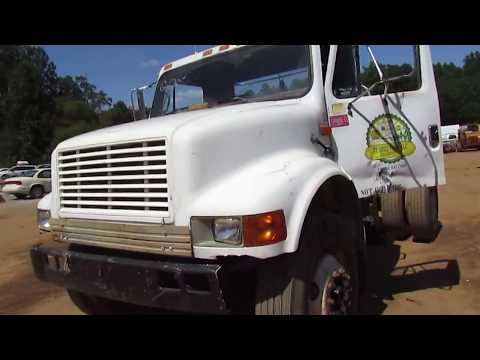 1993 Navistar International (scrapyard rig)