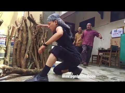 VIDEO KREATIF GURU SMK WIWOROTOMO