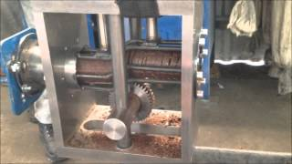 Repeat youtube video Mechanische Brikettpresse | Brikettierpresse MAP, Mechanical Briquetting Press Type MAP