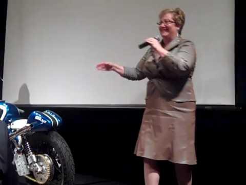 Lori Richardson, Auctioneer at Ryan Stiles Celebrity Auction Gala for