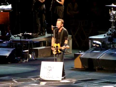 Springsteen- Little Bit O Soul - The Spectrum October 13, 2009