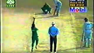 Sachin Tendulkar 95 vs Pak 1st Final) at Dhaka 1998