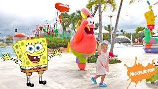 Olivia plays in Hotel Nickelodeon Suites Resort Punta Cana