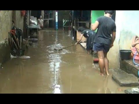 Banjir 40 Cm Rendam Permukiman Warga Kampung Melayu