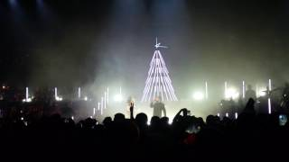 Kylie Minogue, John Grant - Confide in me - Kylie Christmas, 10/12/2016 Royal Albert Hall