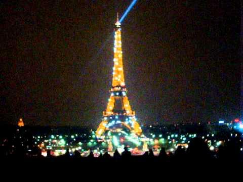 La Tour Eiffel De Nuit Youtube