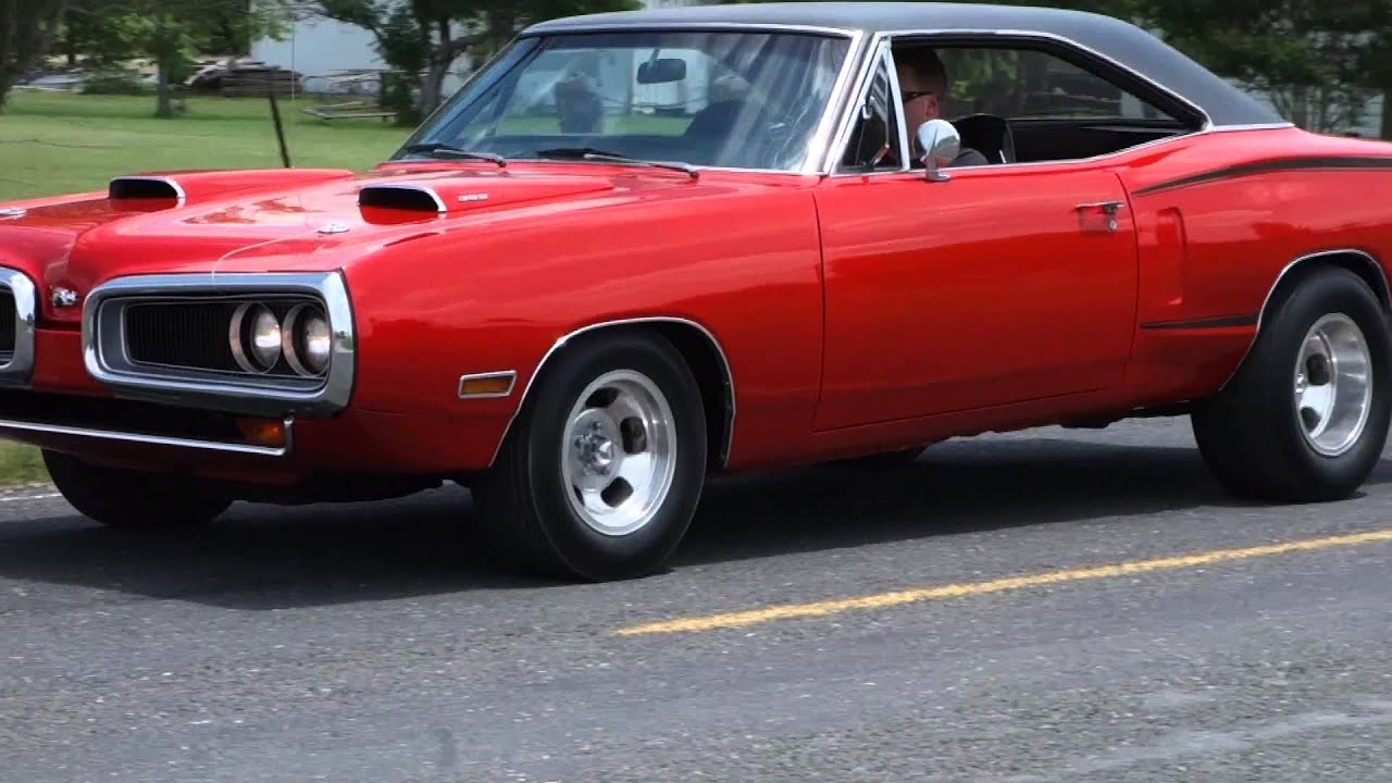 1970 Dodge Coronet SuperBee American Muscle Car - YouTube