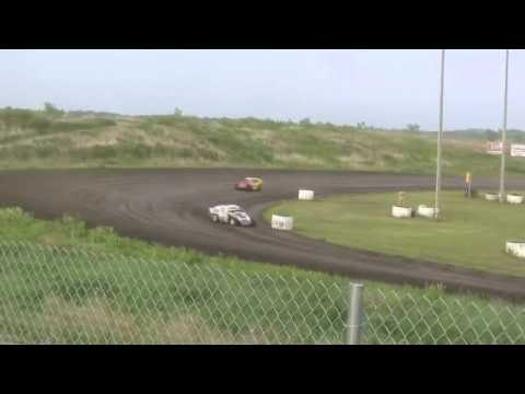Mineral City Speedway Clint Luellen Sportmod Heat June 3, 2011