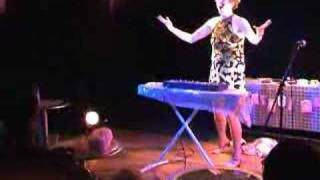Lorraine Bowen - Crumble Song - Live At The Drill Hall