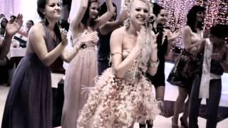 Самая завидная невеста читает рэп.mp4