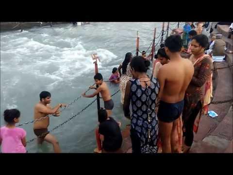Ganga Snan Holi Bath , Har Ki Paudi , Haridwar , Uttarakhand thumbnail