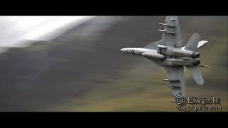 f18-navy-super-hornets-in-the-mach-loop