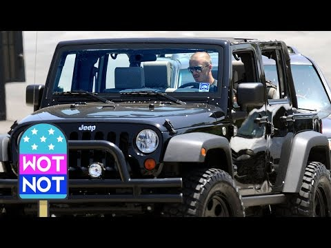 David Beckham Driving His Jeep Wrangler Unlimited in LA - YouTube