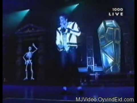 Michael Jackson - Dangerous World Tour Live In Bucharest 1992 - Thriller.avi