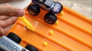 Hotwheels Monster Truck Drag Racing