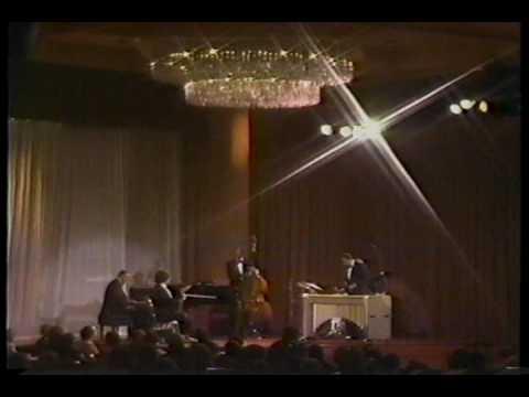 Itzhak Perlman with Modern Jazz Quartet  -  Summertime