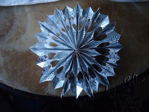 tannenbaum spitze aus geschenk papier youtube. Black Bedroom Furniture Sets. Home Design Ideas