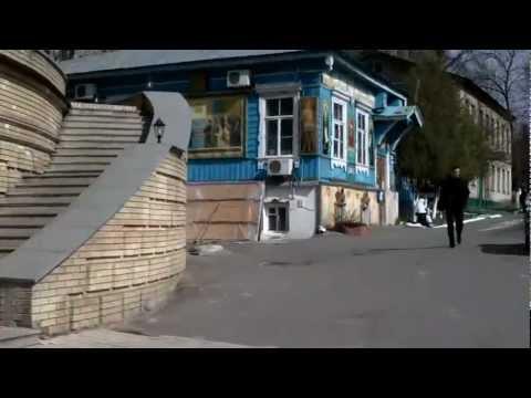 WALKING ON KIEV (2)