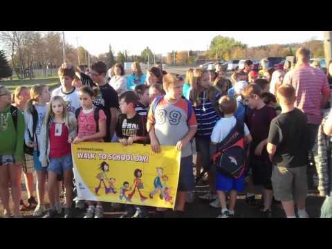 Valley City Washington Elementary School celebrates Walk to School Day