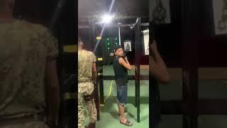Pai e filho praticam juntos no Combatives Airsoft