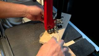 Cutting Discs On A Bandsaw, Using A Simple Jig