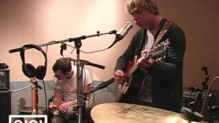 """Gambar cover Matt Shultz of Cage The Elephant performs """"Cover Me Again"""" live at Q101!"""