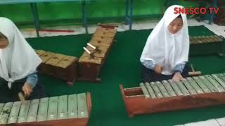 Latihan seni musik tradisional - Stafaband
