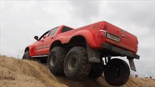 Toyota Hilux ArcticTruck 6x6